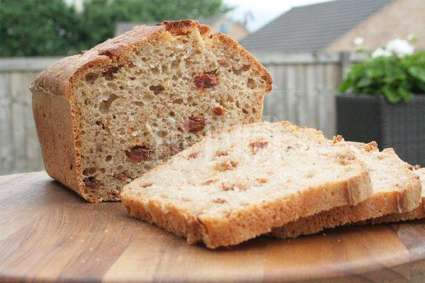 Sourdough wheat-rye tomato bread