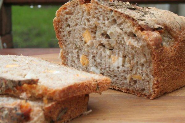 Sourdough wheat-rye bread with egg & fresh herbs